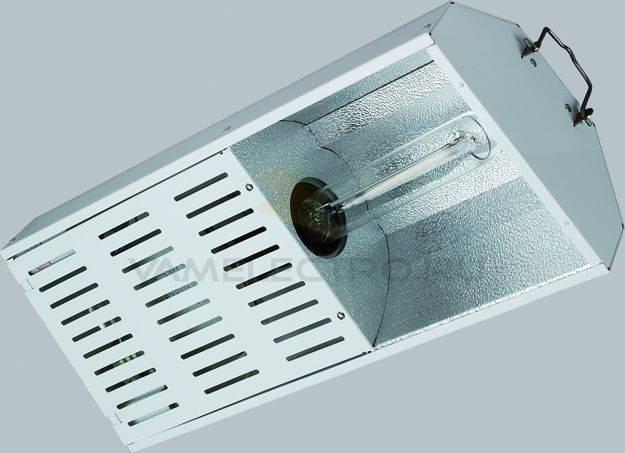 светильник с натриевыми лампами высокого давления