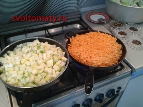 обжариваем отдельно на сковороде с добавлением растительного масла до готовности